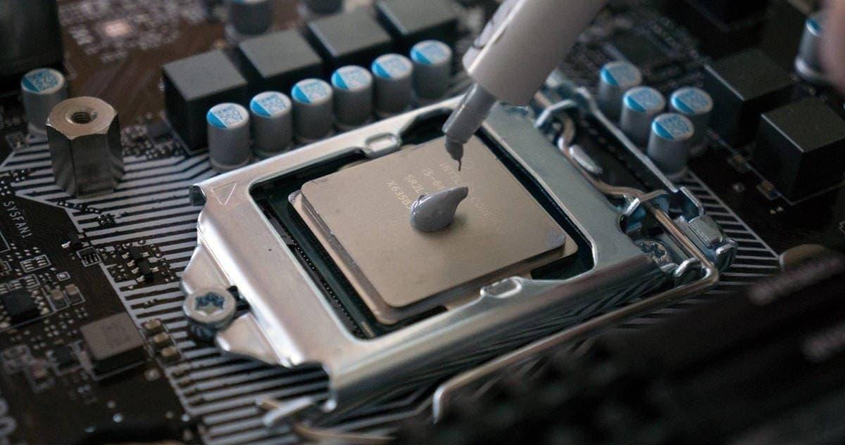 Замена термопасты на центральном процессоре